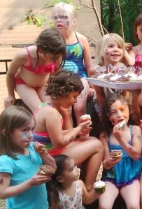 sixth bday cupcakes